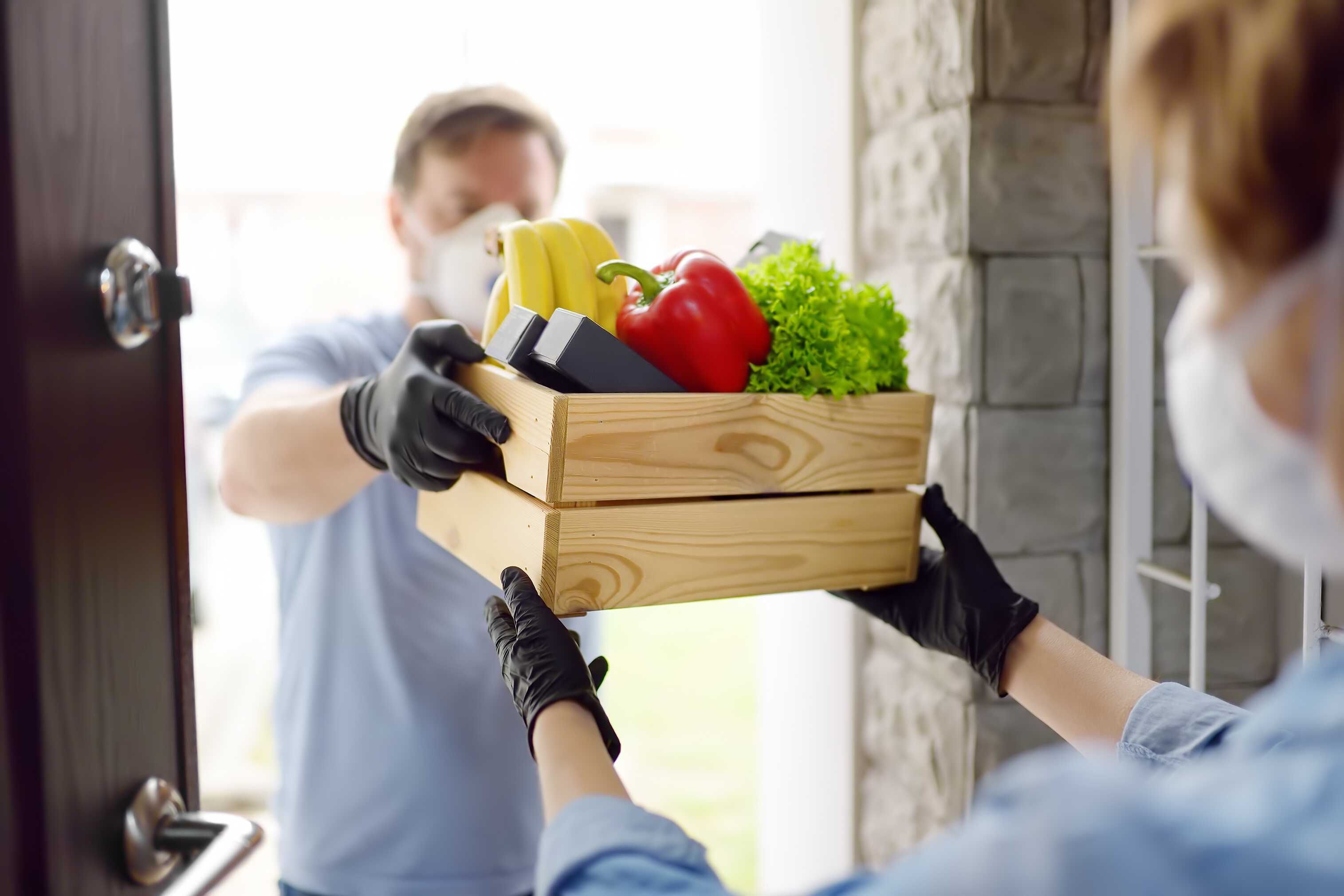 courier-volunteer-delivery-service-food-shopping-delivering-quarantine-customer-receiving-order_t20_xvlzng_optimized